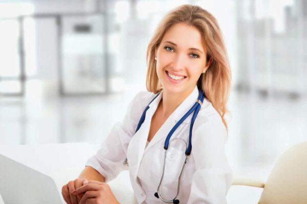 شروط مزاولة مهنة الطب فى بريطانيا