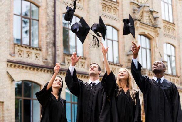 مميزات الدراسة فى جامعة كامبردج