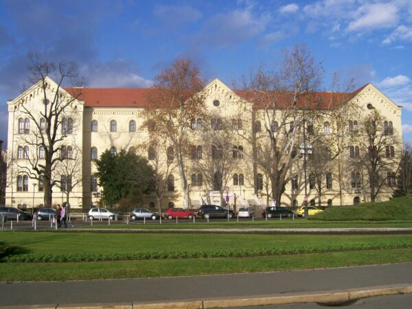 جامعة زغرب