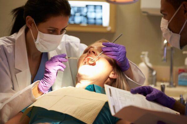نظام دراسة طب الأسنان فى رومانيا