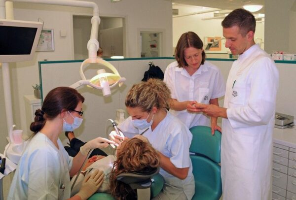 دراسة طب الاسنان في المانيا