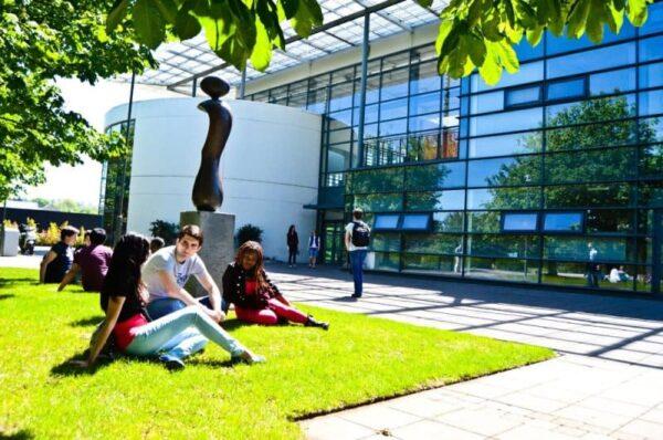 كلية دبلن الجامعية