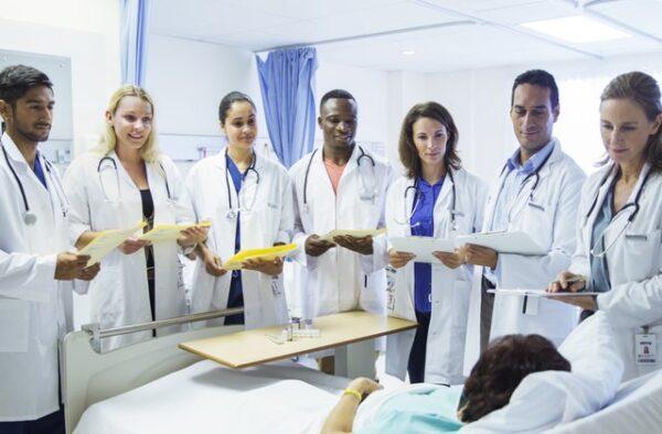 مراحل دراسة الطب في المانيا