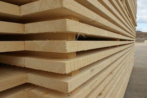 مميزات استيراد اخشاب من السويد