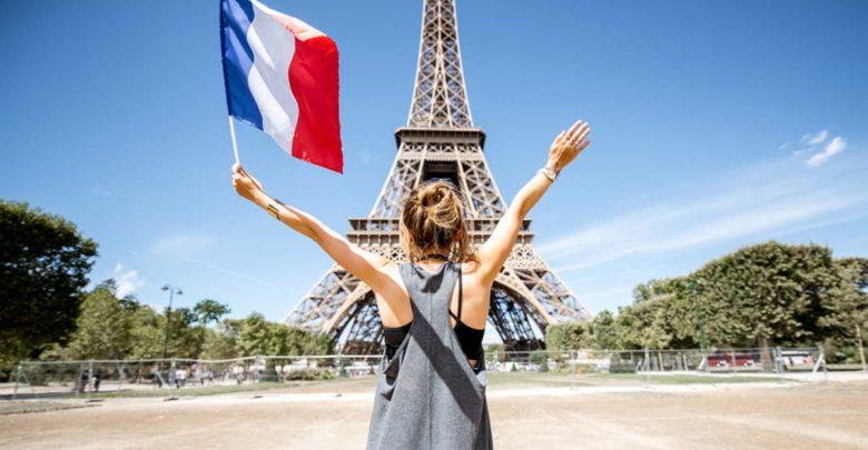 كم تكلفة السفر إلى فرنسا؟