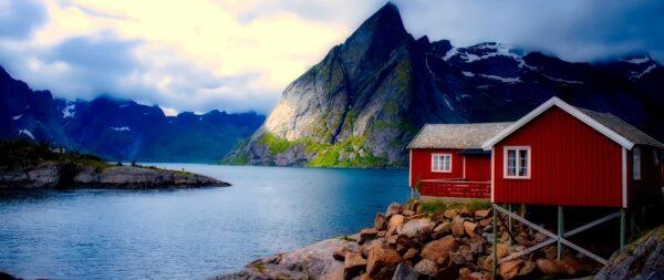 كم تكلفة السفر الى النرويج؟