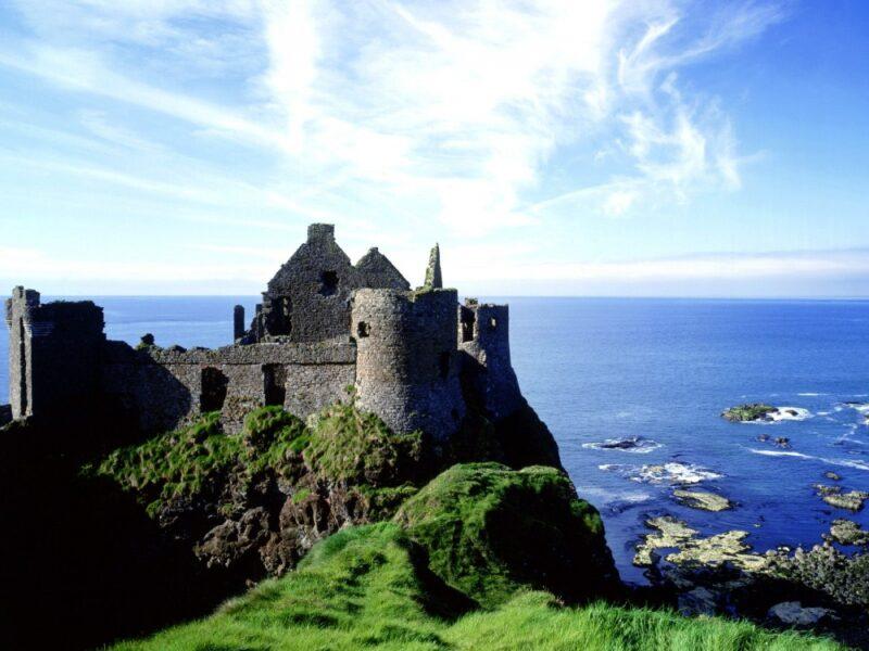 كم تكلفة السفر الى ايسلندا؟