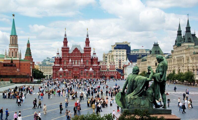 كم تكلفة السفر الى روسيا؟