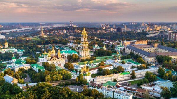 كم تكلفة السفر الى مولدوفا؟
