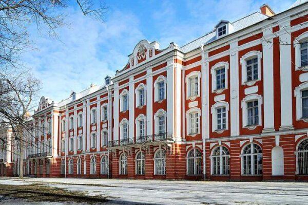 جامعة سانت بطرسبورغ