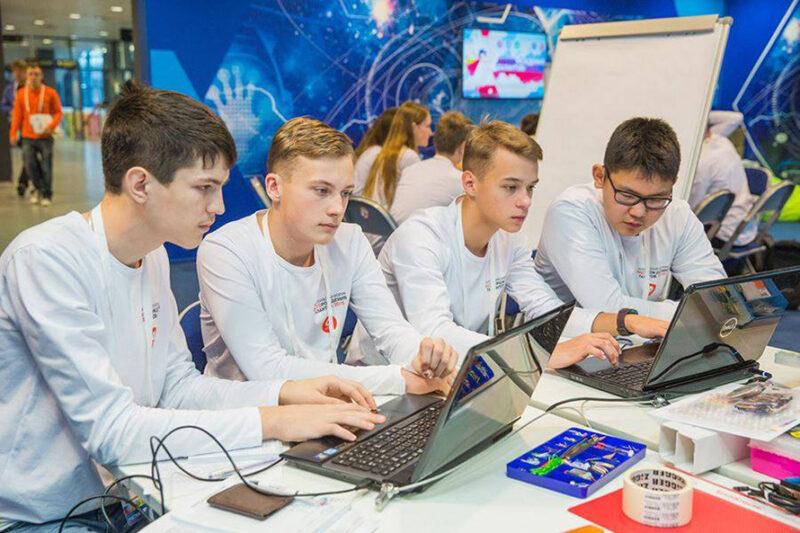 دراسة هندسة البرمجيات في روسيا