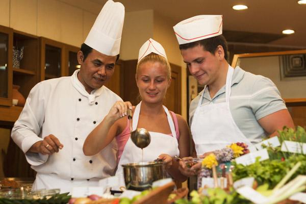 مجموعة مدارس الطبخ لو كوردون بلو الفرنسية بباريس