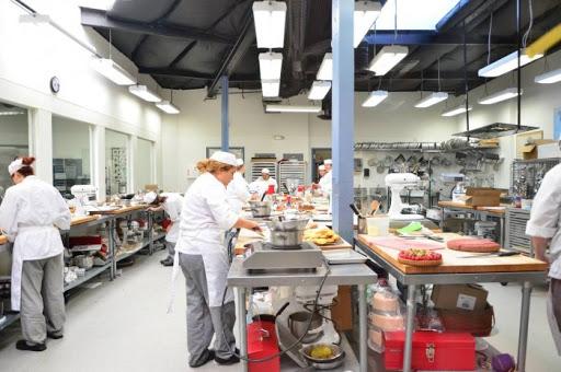 مدرسة أوغست اسكوفير لفنون الطهى الفرنسية