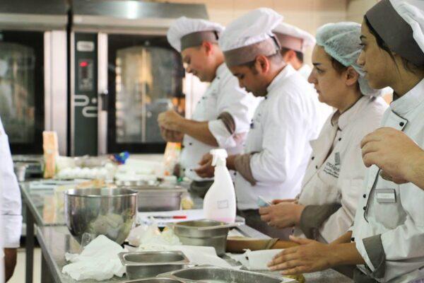 مدرسة تعليم الطبخ للمعجنات الفرنسية كينيدي كينج