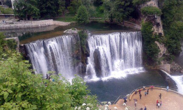 أفضل وقت لزيارة شلالات يايتسا البوسنة