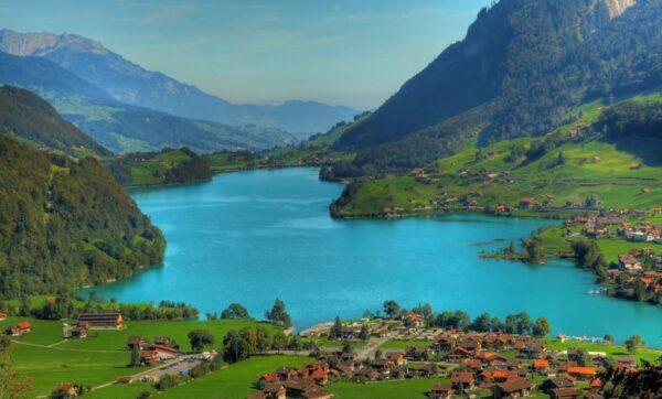 السياحة في سويسرا انترلاكن